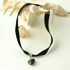 Simple Black Love Velvet Choker